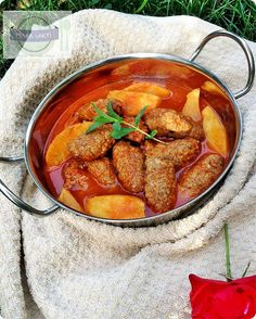 En İyi Yemek Tarifleri Sitesi-Yemek Vakti: İZMİR KÖFTE TARİFİ