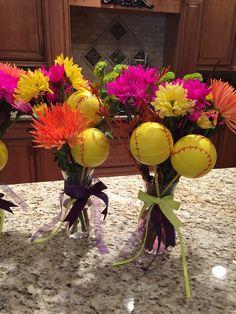 Softball Center Piece. So cute! Softball Party Decorations, Softball Crafts, Girls Softball, Banquet Centerpieces, Banquet Decorations, Banquet Ideas, Fastpitch Softball, Football Cheerleading, Cheerleading Gifts