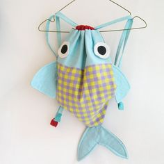 RESERVED - Along with my Fish friend - Drawstring backpack for children- Nursery - OOAK. via Etsy. Fabric Crafts, Sewing Crafts, Sewing Projects, Sewing For Kids, Diy For Kids, Diy Couture, Creation Couture, Baby Kind, Toddler Gifts