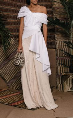 Get inspired and discover Johanna Ortiz trunkshow! Shop the latest Johanna Ortiz collection at Moda Operandi. Smart Casual Women Summer, Smart Casual Outfit, Business Casual Outfits, Vogue Fashion, Fashion 2020, Event Dresses, Fashion Outfits, Womens Fashion, Beautiful Outfits
