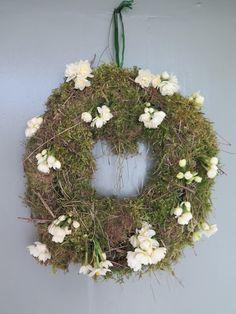 Cassie Liversidge- Easter door wreath