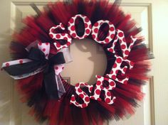 """Oklahoma Sooners """"Sooners"""" Wreath. $45.00, via Etsy. I'd rather have our last name than a team :)"""
