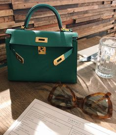 Pantone Green, Hermes Kelly Bag, What's In Your Bag, Winter Mode, Luxury Bags, Beautiful Bags, Scrunchies, Bag Accessories, Purses And Bags