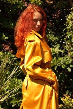 Mackintosh Raincoat, Rain Fashion, Rubber Raincoats, Rain Wear, Lorraine, Storms, Capes, Clothing, How To Wear