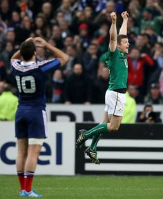 Ireland win the coveted Six Nations title with a victory over France, what a great parting gift for Brian O'Driscoll! Rugby Memes, Irish Rugby, Rugby Sport, Six Nations, Jumping For Joy, Oh My Love, Isle Of Man, Man United, Super Sport