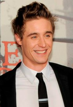 Max Irons. Never actually seen him in anything, but I think it's cute that when he smiles like this, he looks like his dad.