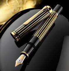 Fountain Pen Pelikan-Limited Edition - Raden Royal Gold - Only 388 pcs made Fountain Pen Drawing, Fountain Pen Ink, Ex Libris, Pelikan Fountain Pen, Pelikan Pens, Stylo Art, Luxury Pens, Stationery Pens, Best Pens