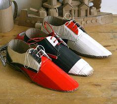 sapatos de papelão