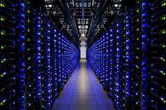 ¿Hacia una era digital oscura? Buena parte de la información generada en esta era será inaccesible para las generaciones futuras por el deterioro de los datos, la obsolescencia tecnológica o las leyes del 'copyright' - El País