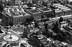 Smakkelaarsveld tot Vredenburg 1957 | Niet te geloven, alleen dat rijtje huizen boven in staat nog overeind