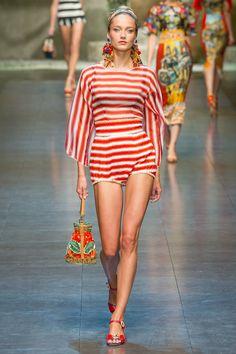 Dolce & Gabbana - Spring Summer 2013 Ready-To-Wear - Shows - Vogue. Fashion News, Runway Fashion, Fashion Models, High Fashion, Fashion Show, Fashion Design, Fashion Trends, Milan Fashion, Dolce & Gabbana