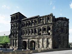 Porta Nigra, Original Roman City Gates, Trier, Rheinland-Pfalz, Germany