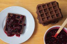 Čokoládové vafle a ovoce v želé Food And Drink, Healthy Recipes, Healthy Food, Breakfast, Sweet, Hampers, Health Foods, Breakfast Cafe, Healthy Food Recipes