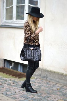 My style yesterday for more visit: www.fashionmanife... #fall #fashion #streetstyle #2013 #Leopard #hat #fedora #coat #rudiogharald #bag #blogger #blonde #ootd #outfit