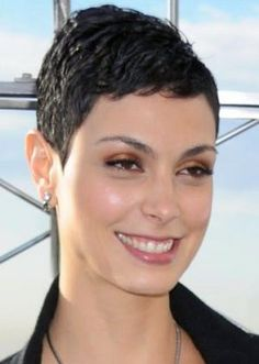 very-short-hairstyles-for-women-06-lfi-baccarin003.jpg 300×422 pixels