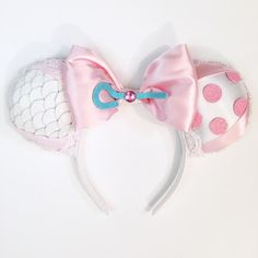 Make your Disney vacation extra special with these handmade Bo Peep inspired Magic Mouse Ears. Great gift idea for anyone who loves Disney and Toy Story. Diy Mickey Mouse Ears, Diy Disney Ears, Disney Mickey Ears, Disney Bows, Disney Day, Disney Stuff, Disney Magic, Walt Disney, Disney World Outfits