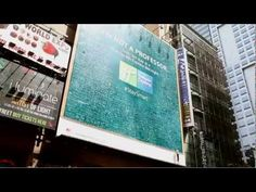 Stay Smart: Billboard Installation in New York City Times Square - Holiday Inn Express Hotels