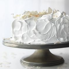 Sugar Rush!! 34 Frosting, Icing, and Glaze Recipes, including this Meringue Frosting #recipes