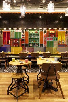 Tanoon Mai, Vie Studio - Restaurant & Bar Design