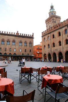 Bologna, Piazza Maggiore - Palazzo d' Accursio e Palazzo dei Notai