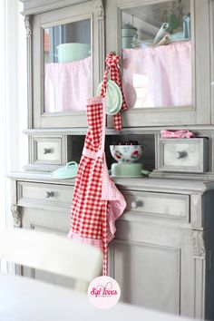 Syl loves, retro, gingham, aprons Red And White Curtains, Restoring Old Furniture, Rainbow Kitchen, Antique Hutch, Red Cottage, Cottage Christmas, Happy Kitchen, Red Gingham, Shabby Chic Kitchen