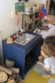 Make this toy sink from an old end table for your play kitchen