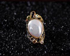 925シルバー natural   Baroque pearls(Etsy のmikaincより) https://www.etsy.com/jp/listing/573500352/925shirub-natural-baroque-pearls