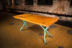 lebanon ceder tafelblad op XY green tafelpoten        #edgyfurniture #tafels #designtafel #designtisch #designtable #studiopeer