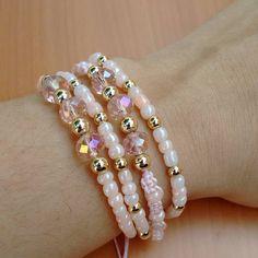 Bead Jewellery, Jewellery Display, Beaded Jewelry, Jewelry Bracelets, Handmade Bracelets, Handmade Jewelry, Cute Friendship Bracelets, Christmas Jewelry, Wire Wrapped Jewelry