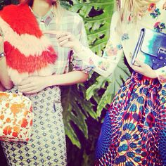 Retro, vintage o fashion? #moda #tendencia #outfit #look #itgirl #mujer #chica  ️www.thecreativemachinery.com