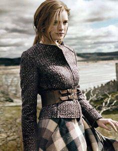 Tartan skirt and belt. Fashion Shoot, Look Fashion, Womens Fashion, Fashion Dresses, English Country Fashion, British Country Style, Country Style Fashion, British Style Outfits, Country Style Clothes