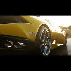 Forza Horizon 2 on Xbox 360 will indeed prove to be an inferior version of its Xbox One counterpart, since it will not receive any DLC, nor will it support Forza Rewards benefits. Course Automobile, Motorcycle Manufacturers, Xbox Live, Lamborghini Huracan, Car Images, Bmw, Chevy Camaro, Courses, Sport Cars