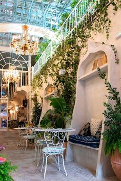The new trendy restaurants in Madrid - Madrid - Madrid Food, Madrid City, Moda Madrid, Madrid Nightlife, Madrid Restaurants, Gaudi, Eco City, Luxury Restaurant, Beautiful Places To Travel