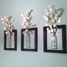 DIY Wanddeko diy decoration: frames with vases. The post DIY Wanddeko appeared first on Flur ideen. Old Picture Frames, Hanging Picture Frames, Hanging Pictures, Decorating With Picture Frames, Wall Decor With Pictures, Pictures For Bathroom Walls, Home Projects, Home Crafts, Diy Home Decor