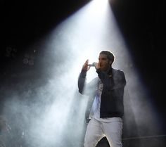 Drake performs on the Rocky stage at the Made in America festival in Philadelphia, Pa. on September 2, 2012. ( DAVID MAIALETTI / staff photographer )