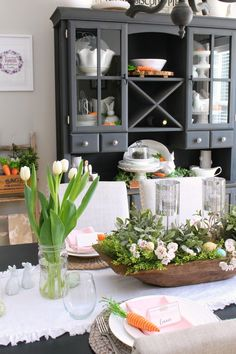 Spring Decorations for the Dining Room #spring #springdecorating #springdecor #farmhousestyle