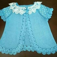 Very nice knitted dress for babies sharing with you Diy Crafts Dress, Diy Dress, Dress Vest, Crochet For Kids, Crochet Baby, Knit Crochet, Knitted Baby, Baby Girl Vest, Cute Baby Dresses