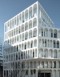 Арочное здание Arches Boulogne в пригороде Парижа по проекту бюро Antonini Darmon | Admagazine | AD Magazine