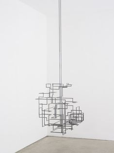 facts and systems at white cube / Antony gormley