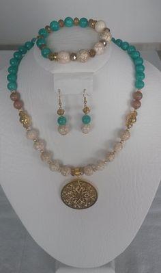 70fc2837037d Juego collar elaborado en piedras jade aguamarina