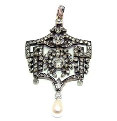 This stunning Victorian diamond & pearl pendant comes with its original case. Offered by Emmy Abe at Grays.
