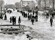 Will there be an Elfstedentocht Persconference in nine minutes. Rotterdam, Utrecht, Good Old Times, The Good Old Days, Old Scool, Winter Scenery, Vintage Winter, Wonderful Picture, Winter Beauty