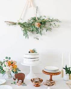Gorg florals for a buffet style shindig.