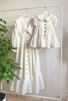 Vintage Girls Dresses, Baby Girl Dresses, Family Outfits, Kids Outfits, Hijab Fashion, Fashion Dresses, Bodycon Dress With Sleeves, Fashion Couple, Diy Clothes