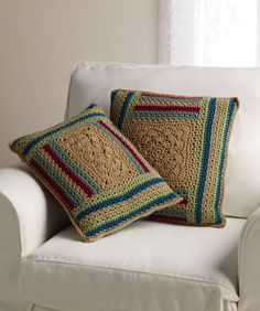 Log Cabin Variations Pillows FREE Pattern http://www.redheart.com/files/patterns/pdf/LW3600.pdf