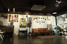 Friday's tattoo is a world-class tattoo studio based in Hong Kong, established in 2016 by Wang Pang and Jamie Kam. Mobile Tattoo, Mural Tattoo, Studio Ghibli, Tattoo Shop Decor, Maybelline, Photography Tattoo, Tattoo Studio Interior, Private Tattoos, Tattoo Salon