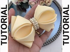 A bow of satin ribbon with your own hands DIY Svetlana Zolotareva Diy Lace Ribbon Flowers, Ribbon Hair Bows, Diy Hair Bows, Diy Bow, Bow Hair Clips, Hair Bow Tutorial, Earring Tutorial, Baby Girl Bows, Girls Bows