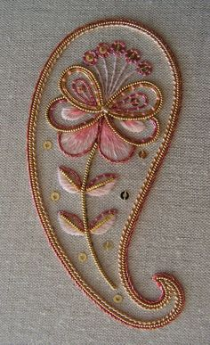 traditional home decor home decor Kit de bordado decorativo de orfebrera de Paisley Paisley Embroidery, Tambour Embroidery, Hand Work Embroidery, Gold Embroidery, Hand Embroidery Stitches, Hand Embroidery Designs, Embroidery Techniques, Embroidery Patterns, Crewel Embroidery
