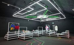 topshop: a look over Nike storedesign.