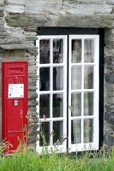 Post Box, Old Post Office, Tintagel, Cornwall – Stone House Cornwall England, England Uk, Cool Places To Visit, Places To Go, Tintagel Cornwall, English Village, English Cottages, Old Post Office, Post Box